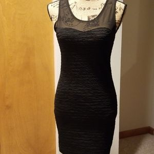 FOREVER 21 BODY-CON DRESS SIZE SMALL
